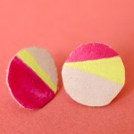 isly-handmade-leather-painted-earrings-pink-neon-1